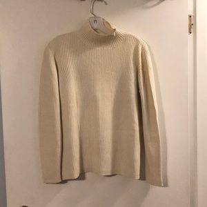 Mondi sport cream mock turtleneck